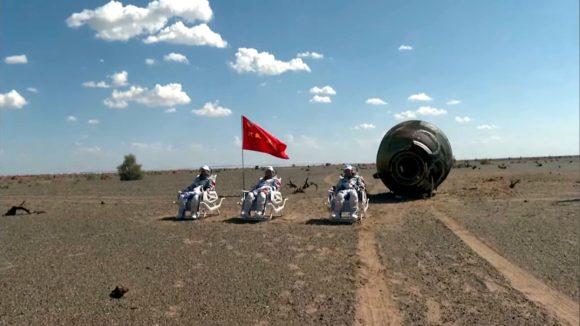 Regresa la tripulación de la Shenzhou 12 tras haber vivido tres meses en la estación espacial china